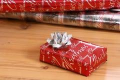 Cadeau enveloppé Photo stock
