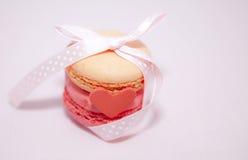 Cadeau français de macaron Photos stock