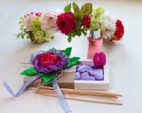 Cadeau pour des filles le 8 mars ou jour du ` s de Valentine Photographie stock libre de droits