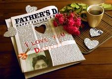 Cadeau pour le jour de père Images libres de droits