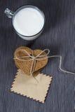 Cadeau pour le jour du ` s de Valentine Photos stock