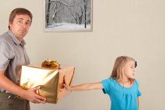 Cadeau refusé, père choqué Photo stock