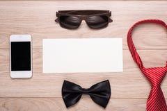 Cadeau toujours rouge de cravate d'amour Images stock