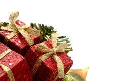 Cadeaux de Noël avec le scintillement Photo stock