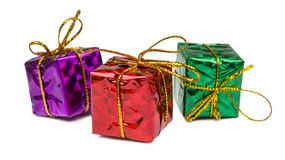 Cadeaux de Noël et jouets d'isolement sur le fond blanc Photo stock