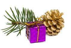 Cadeaux de Noël et jouets de Noël d'isolement sur le fond blanc Photos stock