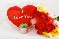 Cadeaux du jour de Valentine   Image libre de droits
