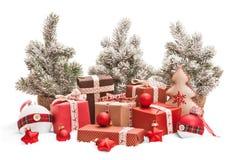 Cadeaux et décorations de Noël Image stock