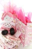 Cadeaux pour la fille nouveau-née Photographie stock libre de droits