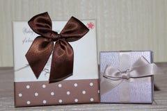 cadeaux pour Valentine& x27 ; jour de s photographie stock libre de droits