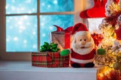cadeaux Santa de Claus de Noël Images stock