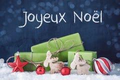 Cadeaux verts de Noël, neige, Joyeux Noel Means Merry Christmas photographie stock libre de droits