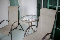 Cadeira com a associação no recurso Fotos de Stock Royalty Free