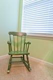 Cadeira de balanço da criança antiga vazia Imagens de Stock Royalty Free