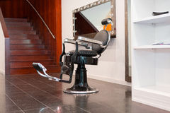 Cadeira de barbeiro fotografia de stock royalty free