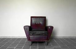 Cadeira de encontro à parede Imagem de Stock Royalty Free