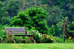 Cadeira de jardim do metal Imagens de Stock