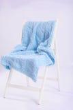 Cadeira de madeira bonita no fundo branco Imagens de Stock