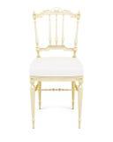Cadeira de madeira isolada no fundo branco 3d rendem os cilindros de image Imagem de Stock