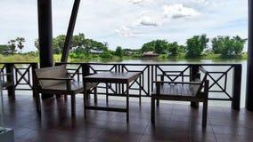 Cadeira de madeira no terraço Foto de Stock Royalty Free
