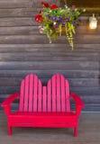 Cadeira de madeira vermelha Fotos de Stock Royalty Free