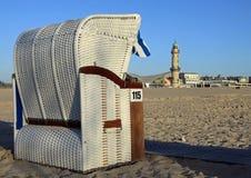 Cadeira de praia Canopied na praia Warnemünde Fotografia de Stock Royalty Free
