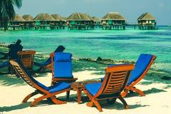 Cadeira de praia por Maldivas Fotografia de Stock