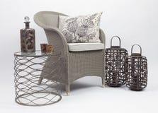 Cadeira de vime e coxins 2 fotografia de stock