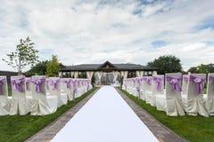 Cadeira decorada do casamento Foto de Stock Royalty Free