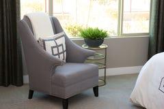 Cadeira do braço no quarto moderno Foto de Stock Royalty Free