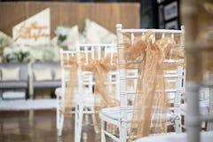 A cadeira do casamento com decora imagens de stock