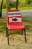 Cadeira do sentido da estação de votação Imagens de Stock