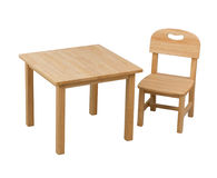 Cadeira e mesa de madeira para o miúdo Fotografia de Stock Royalty Free
