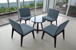 Cadeira e tabela Fotografia de Stock Royalty Free