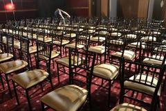 Cadeira em seguido no auditório Fotos de Stock Royalty Free