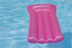 Cadeira inflável cor-de-rosa Fotos de Stock Royalty Free