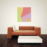 Cadeira interior moderna mínima para enfrentar a parede em branco Imagens de Stock Royalty Free
