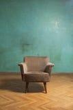 Cadeira na sala Fotos de Stock Royalty Free