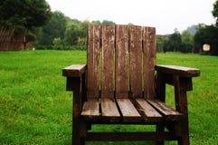 Cadeira no jardim Fotos de Stock Royalty Free