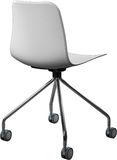 Cadeira plástica com pés do cromo, desenhista moderno da cor branca Cadeira de giro isolada no fundo branco Fotos de Stock