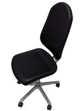 Cadeira preta do escritório em um fundo branco. Foto de Stock