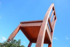 Cadeira quebrada em Geneve Imagens de Stock