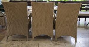 Cadeira três no patamar no recurso de verão imagens de stock royalty free