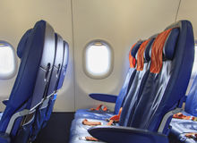 Cadeiras azuis no plano imagens de stock royalty free