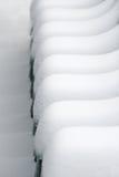 Cadeiras cobertas na neve Fotografia de Stock Royalty Free