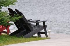 Cadeiras da casa de campo de Muskoka Fotos de Stock Royalty Free