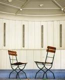 Cadeiras de dobradura fotografia de stock royalty free