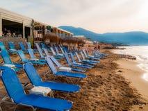 Cadeiras de praia azuis imagens de stock royalty free