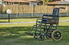 Cadeiras de rodas do hospital em uma facilidade do homecare fotos de stock