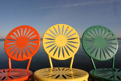 Cadeiras de Uw alinhadas Fotografia de Stock